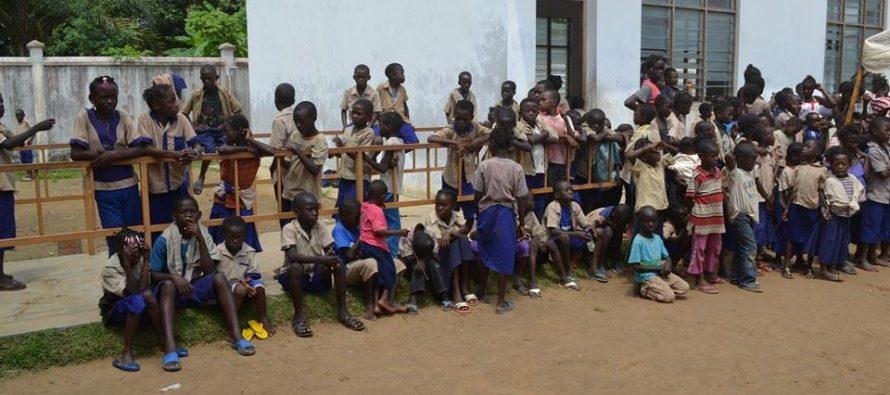 Congo : le gouvernement hausse le ton sur l'uniforme à l'école