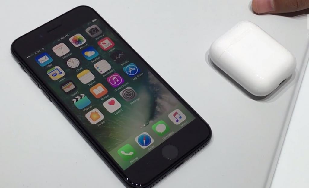 Apple dévoile ses nouveaux iPhone sans prise jack pour les écouteurs