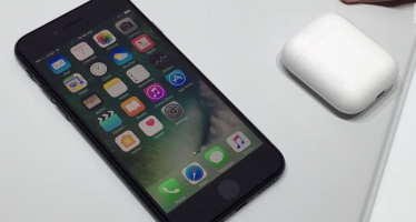 VIDÉO – Apple dévoile ses nouveaux iPhone sans prise jack pour les écouteurs