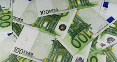Paris : en pleine rue, des Congolais se donnent en spectacle pour 100 euros