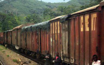 Congo : un train de marchandises incendié à Kinkembo, plusieurs morts