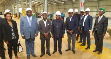 Congo : Le chef de l'Etat bissau-guinéen José Mario Vaz visite le complexe industriel de Maloukou