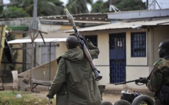 Tirs à l'arme lourde près d'un camp militaire de Bouaké en Côte d'Ivoire