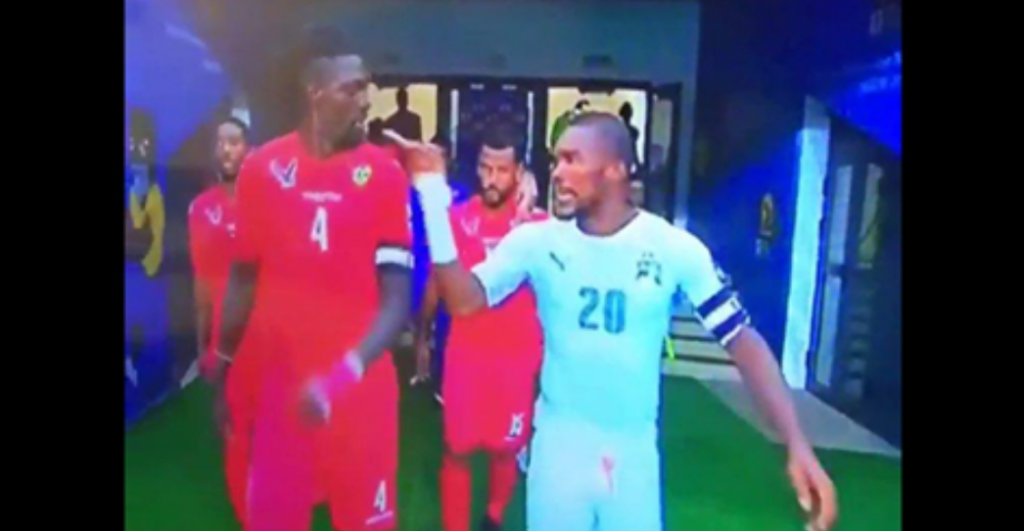 CAN 2017 : Altercation entre Serey et Adebayor