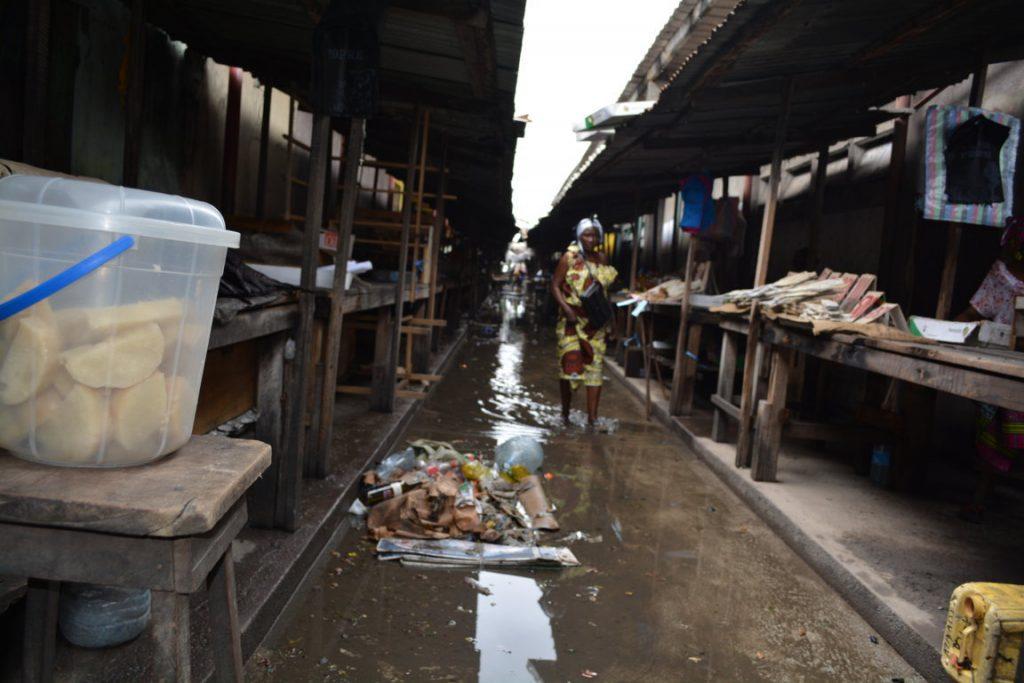 Brazzaville A l'insalubrité s'ajoute l'inondation dans les marchés