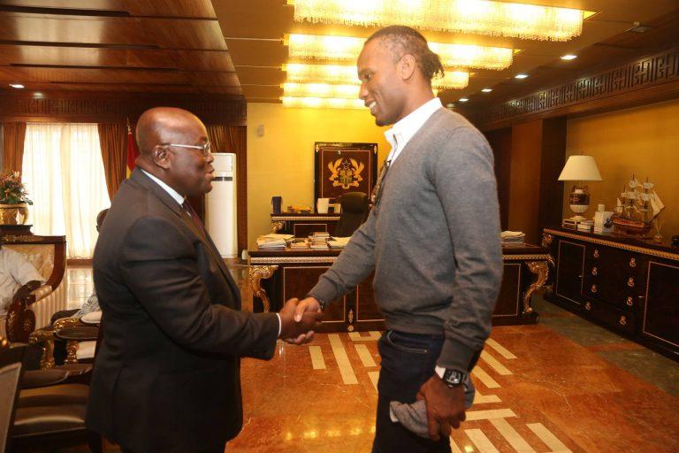Didier Drogba reçu par le président du Ghana Nana Akufo-Addo