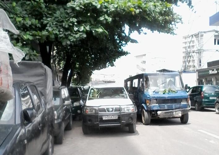 RDC - Décès d'Étienne Tshisekedi  : même les véhicules portent le deuil