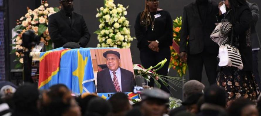 Kinshasa ordonne l'arrêt de la construction de la tombe de Tshisekedi