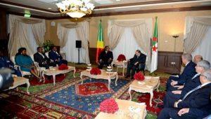 Le président de la République, Abdelaziz Bouteflika, s'est entretenu mardi à Alger avec le président de la République du Congo, Denis Sassou N'Guesso,