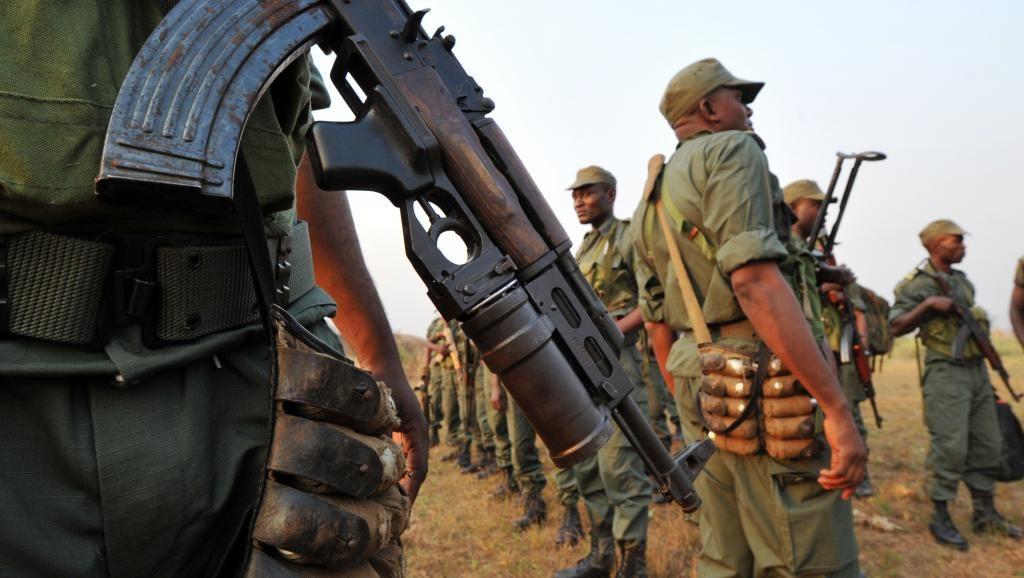 soldats au Congo