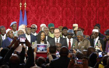 François Hollande naturalise 28 tirailleurs sénégalais