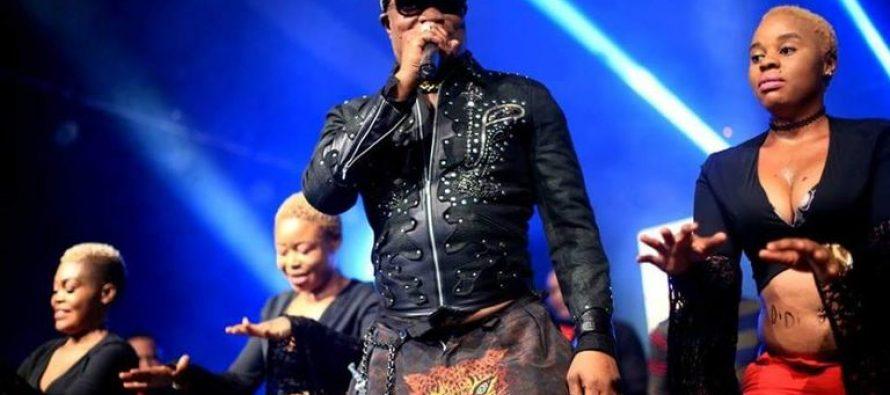SUR LE NET –  Dès demain, Koffi Olomidé, la star de la rumba congolaise se fera appeler «Vieux Macron»