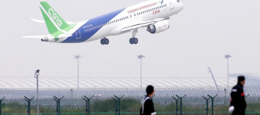 Aéronautique: Le C919, premier rival chinois d'Airbus et Boeing, prend son envol
