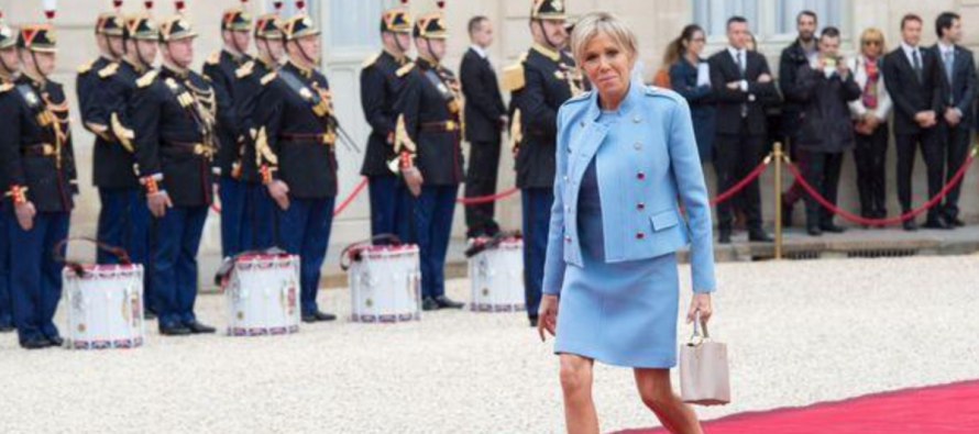 VIDEO – France : Brigitte Macron, une entrée très commentée à l'Élysée, pour le pire et le meilleur