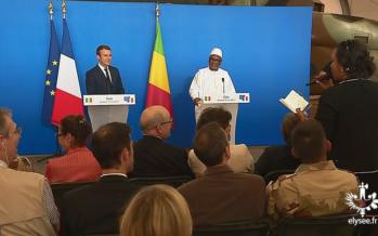 VIDÉO – Une journaliste malienne s'adressant au président Macron : «Monsieur Emmanuel Valls»