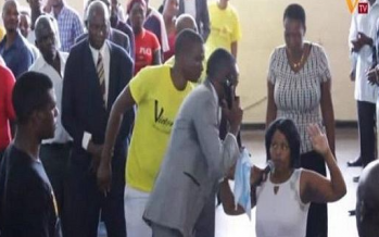 Zimbabwe : un pasteur «appelle» le paradis en plein culte et communique avec «Dieu»