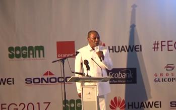 VIDÉO – Guinée : Le président Alpha Condé conspué par les étudiants, il passe aux insultes et aux menaces