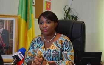 Congo – Santé : Jacqueline Lydia Mikolo au CHU et au CNTS, une visite aux airs d'aveux d'impuissance