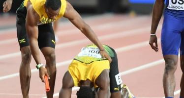Mondiaux d'athlétisme: Usain Bolt se blesse lors du 4×100 m, la dernière course de sa carrière