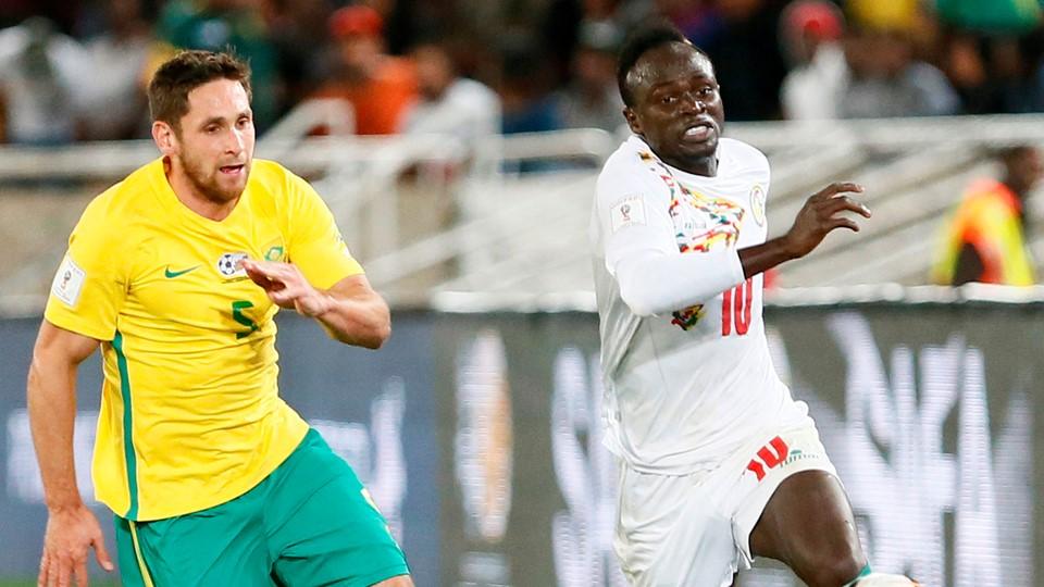 Le Sénégal de Sadio Mané (à droite) est qualifié pour la Coupe du monde. (Reuters)