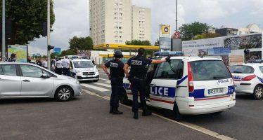 France : Un pasteur congolais arrêté pour avoir évoqué son passé de délinquant pendant le culte