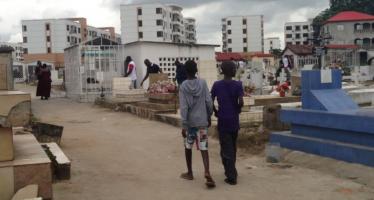 Congo : De nombreux vols de fleurs dans les cimetières de Brazzaville et Pointe-Noire