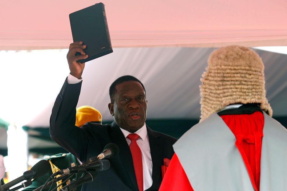 Emmerson Mnangagwa a prêté serment vendredi à Harare.