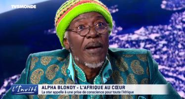VIDEO – La star ivoirienne du reggae Alpha Blondy Parle à Macron et fait une adresse à la jeunesse Africaine