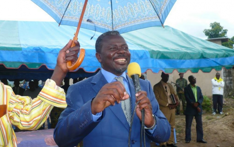 Le pasteur Ntumi