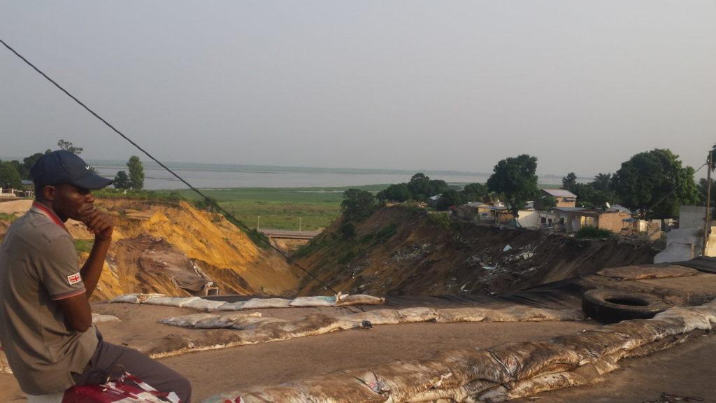 Erosions à Brazzaville: la population de Ngamakosso en voie d'être coupée du reste de la ville