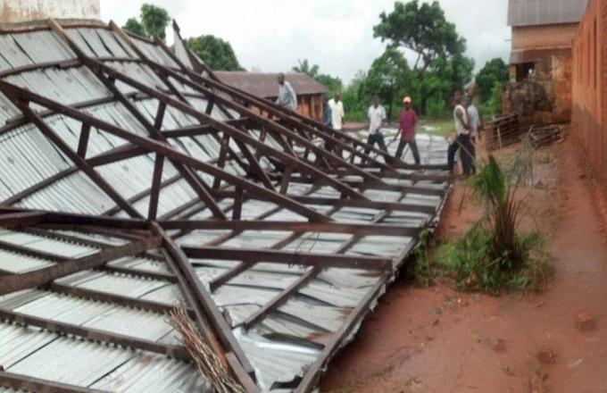 Congo : Des maisons détruites par une pluie torrentielle au village Mboukoulou
