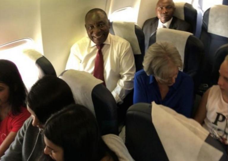 Le nouveau président sud-africain voyage en classe économique