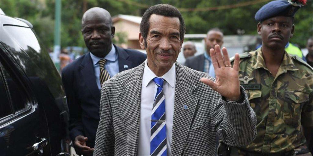 Le président du Botswana, Ian Khama, dans son village de Serowe, le 27 mars 2018.