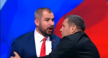 VIDÉO. Une bagarre éclate lors du débat présidentiel en Russie
