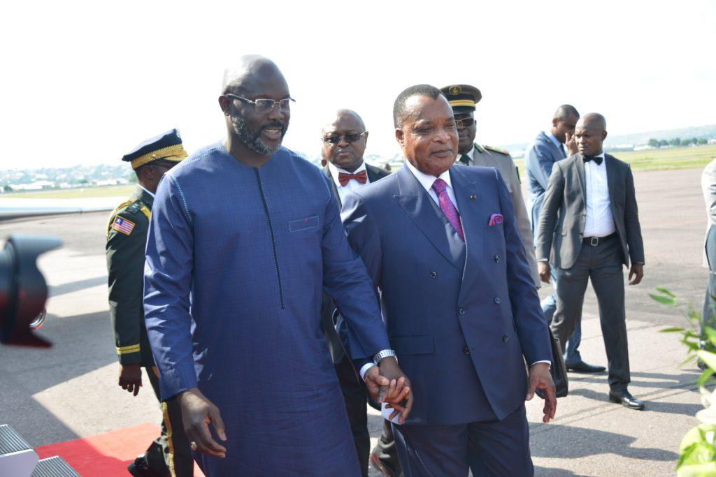 Le président George Weah a été accueilli à l'aéroport international Maya-Maya par son homologue congolais, Denis Sassou N'Guesso.