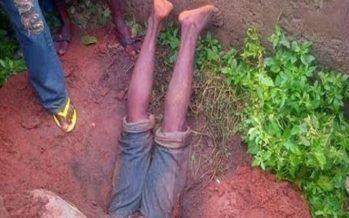 Congo : Un homme englouti dans une tombe en voulant déterrer un crâne à Ngouedi