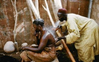 Audio – France : Elle arrache tout avec la magie noire, son mari va lui donner sa parcelle au Congo