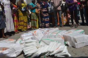 Des vendeurs de sachets en plastique arrêtés par la police