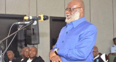 Nianga Mbouala : Je confirme que le général Dabira est venu me voir deux fois dans mon bureau et m'a proposé de faire un coup d'État