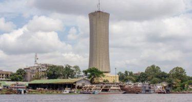 Brazzaville – Tour Nabemba: le personnel technique de la SCIG en grA?ve