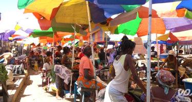 Brazzaville : Les vendeurs du marchA� Thomas Sankara ne savent plus sur quel pied danser