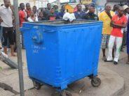 Brazzaville – Macabre découverte dans un bac à ordures : une jambe humaine bandée