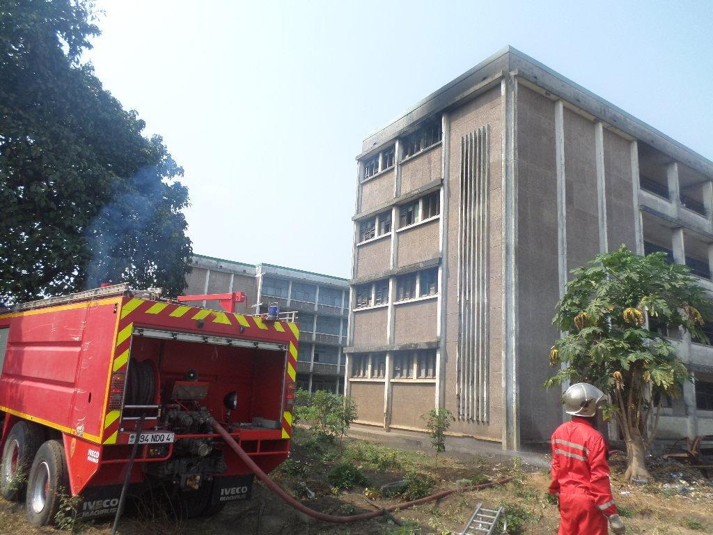 Un fou met feu au lycée Pierre Savorgnan de Brazza