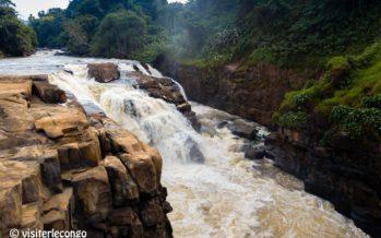 En Images – Congo : Les chutes de Loufoulakari attirent de plus en plus des touristes