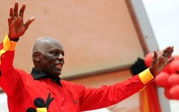 Angola: dos Santos cède la présidence du parti au pouvoir après 4 décennies de règne