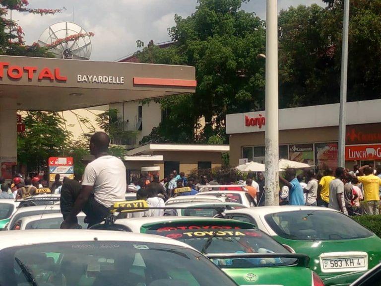 Pénurie d'essence au Congo