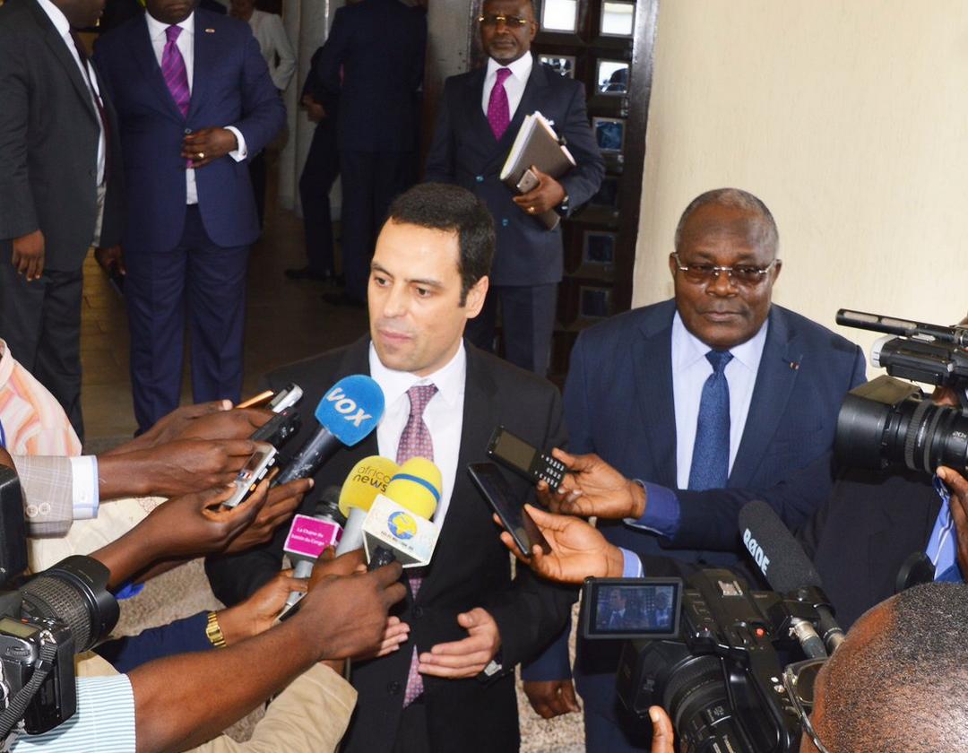 Alex Segura-Ubiergo, chef d'une mission du FMI et Le ministre congolais des finances, du budget et du portefeuille public, Calixte Nganongo