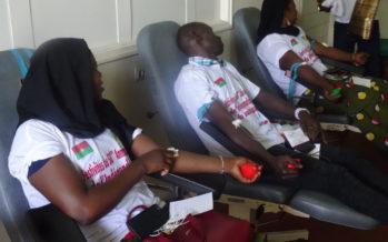 Congo – Santé publique : la communauté burkinabè fait don de sang au CNTS