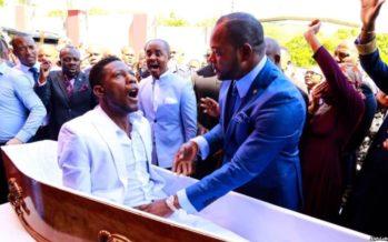 Folie sur Twitter autour d'un pasteur auteur d'une «résurrection» en Afrique du Sud