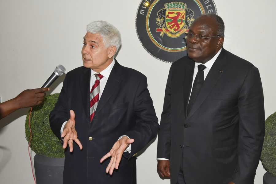 Raul Mateus Paula et Calixte Nganongo.
